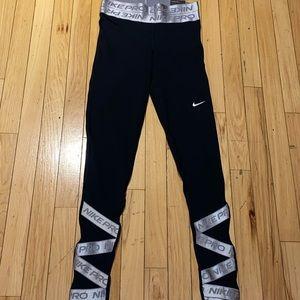 Woman's Nike Black Tight Fit Leggings Size Small